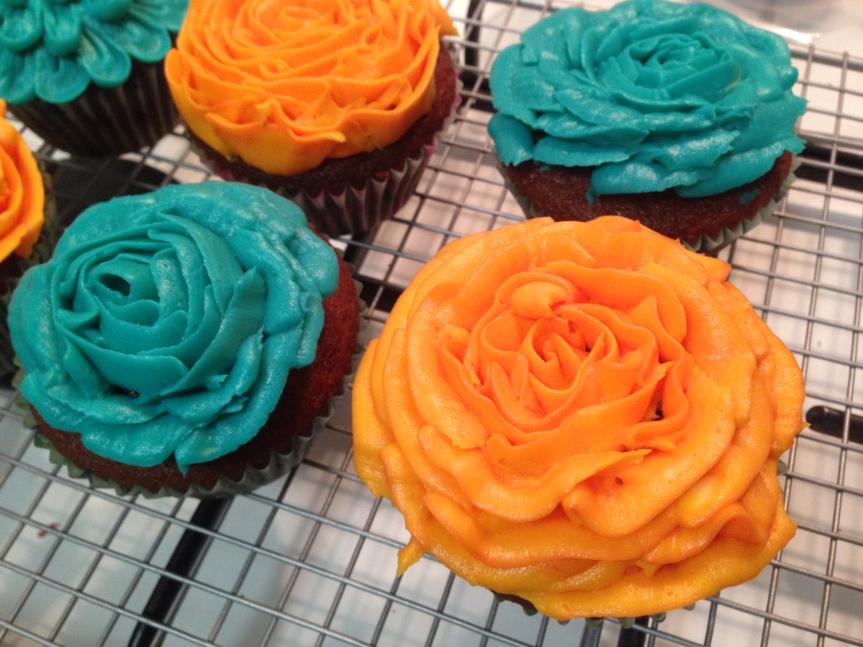 Red Velvet cupcakes with Buttercreamroses